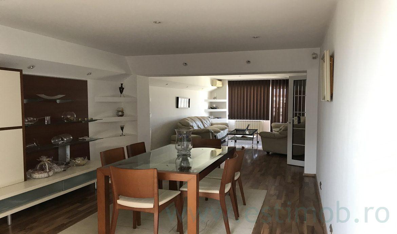 Apartament de inchiriat Brasov 3 camere 100 mp strada Toamnei