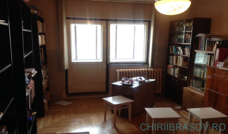 Vanzare apartament 4 Camere Centrul Civic