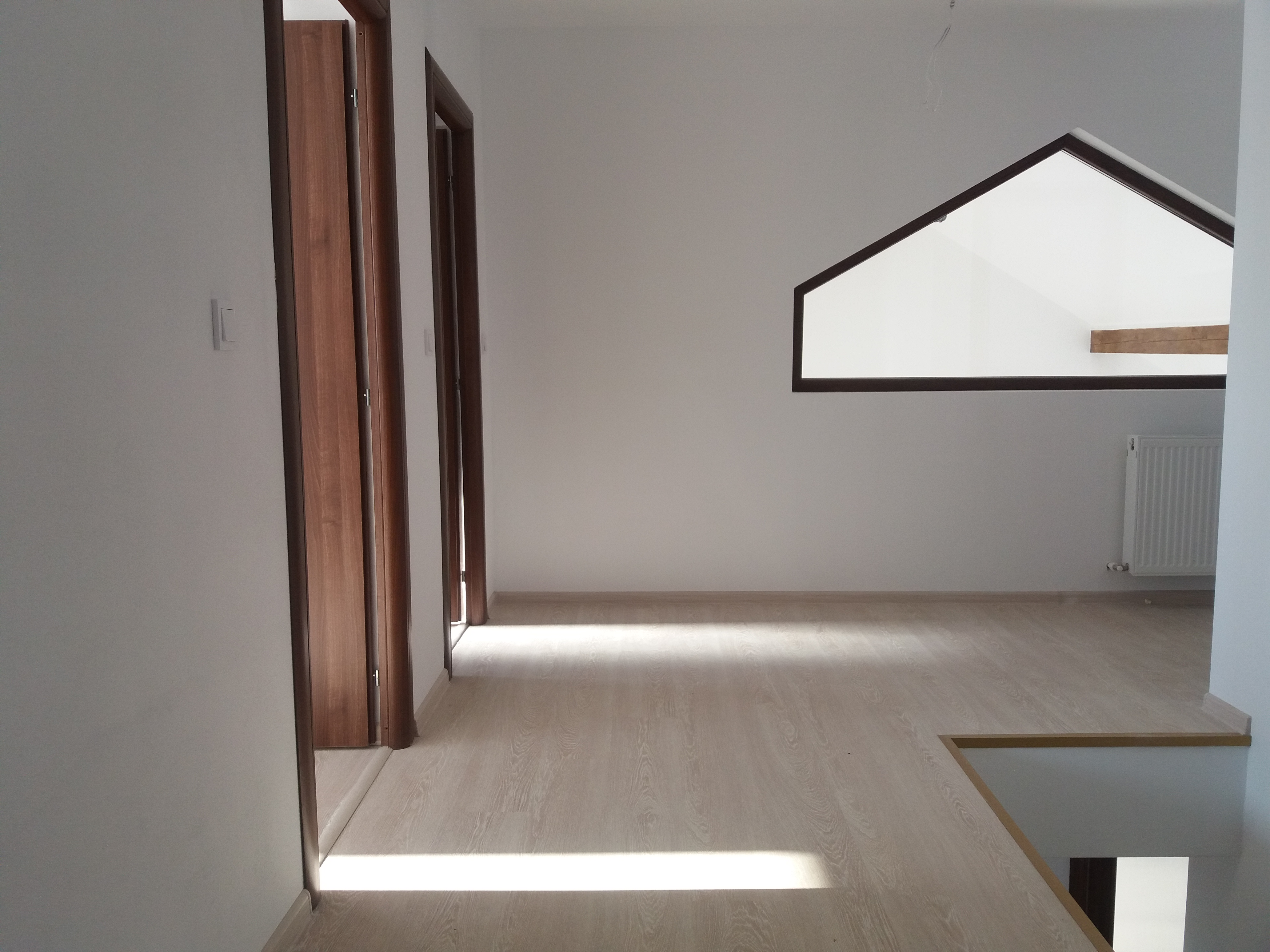 Vanzare Casa  5 Camere  Sanpetru