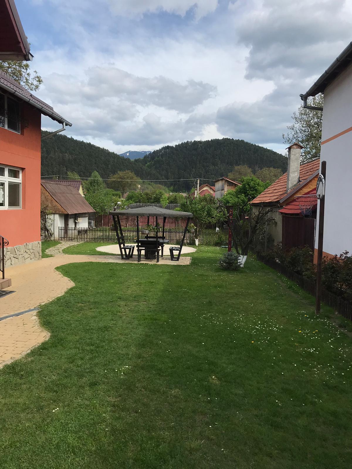 Casa singur in curte Rasnov Brasov