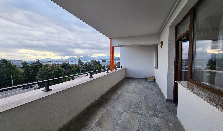 Apartament de inchiriat Bloc Nou zona Coresi complex Isaran